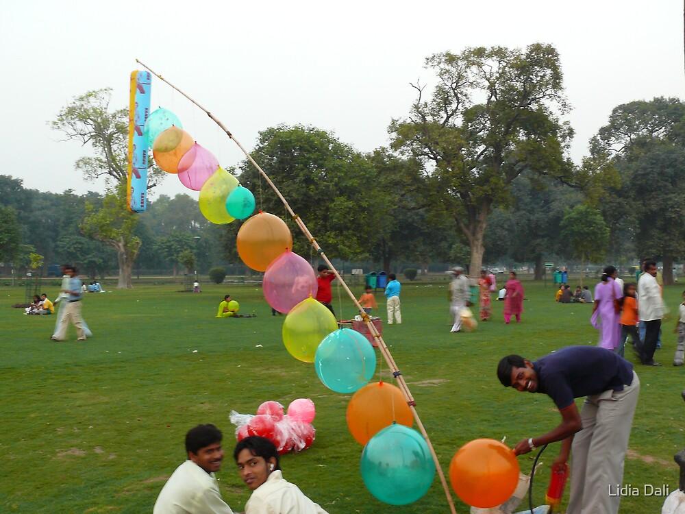 Baloon Sellers at India Gate by Lidiya