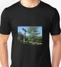 totem in butchart gardens Canada T-Shirt