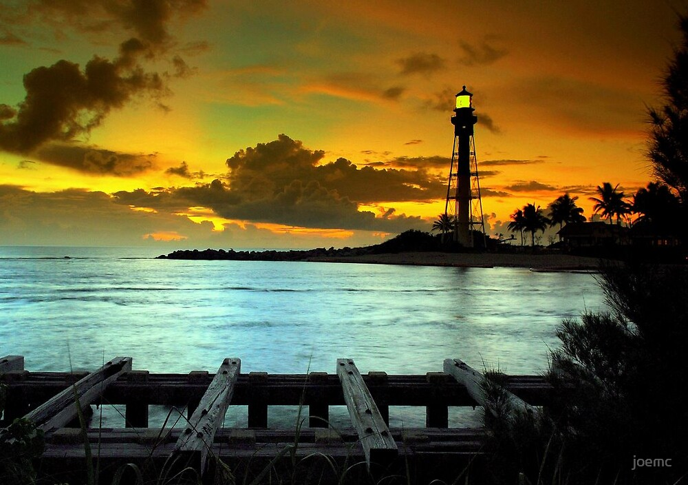 Stormy lighthouse point by joemc