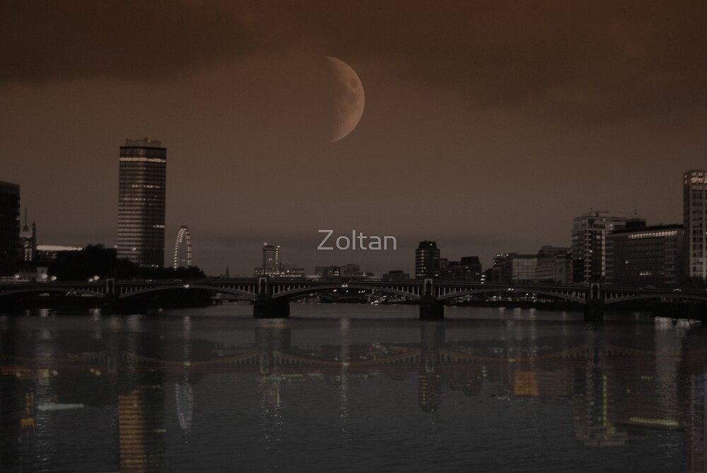 London  by Zoltan