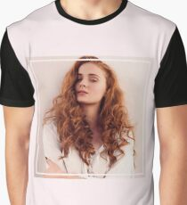 sophie turner Graphic T-Shirt