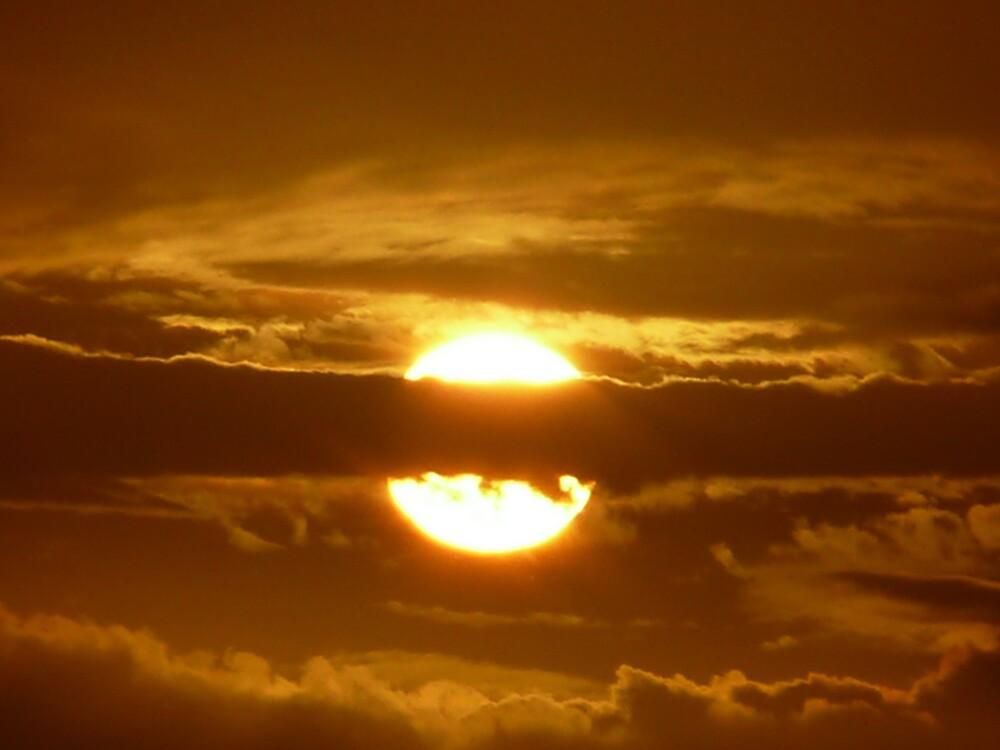 Sunset on Sunday by mickhamo