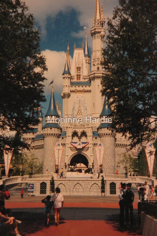 The Enchanted Kingdom 1982 by Moninne Hardie