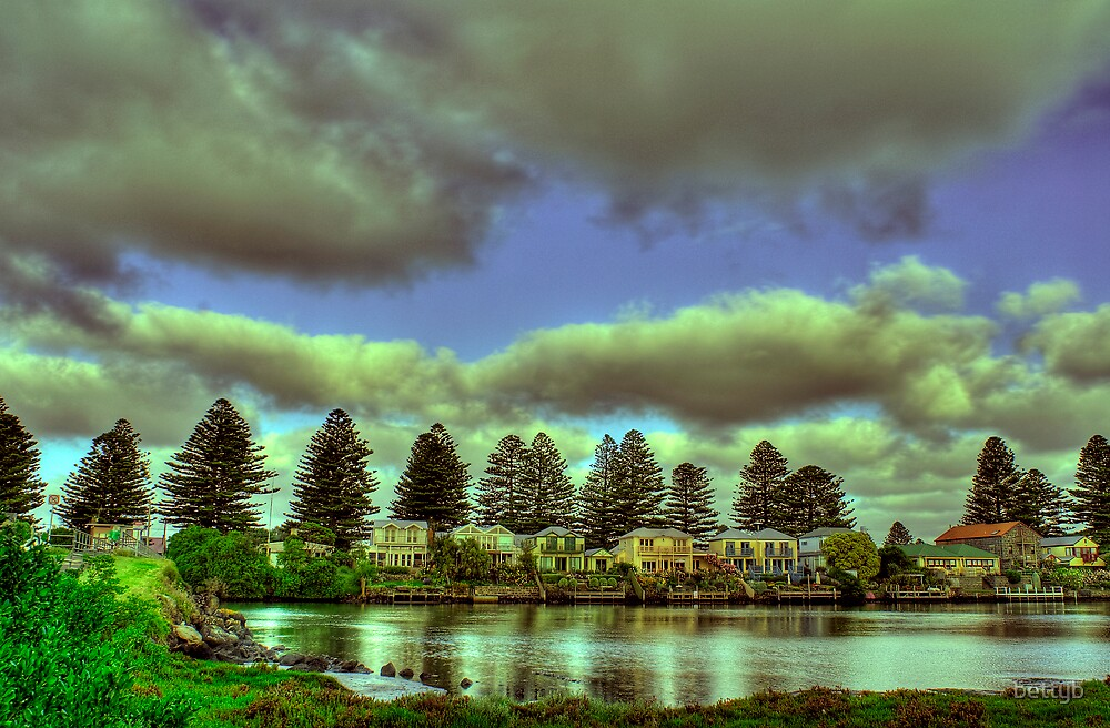 Port Fairy Wharf by bettyb