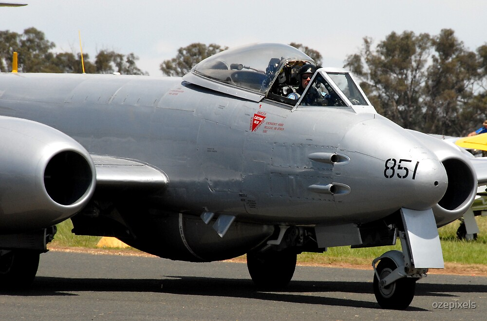 Gloster Meteor F.8 by ozepixels