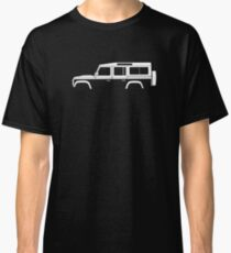 Car silhouette for Land Rover Defender 110, 4-door station wagon enthusiast  (version with hood / bonnet bulge) Classic T-Shirt