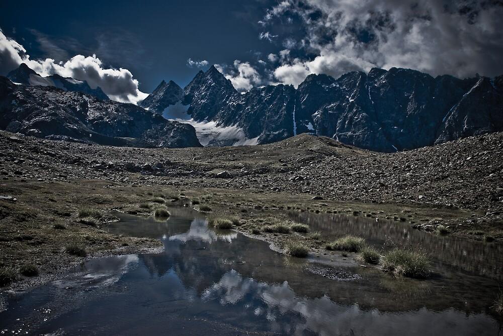 Alpine Peaks Edgy Version by Jan Cervinka