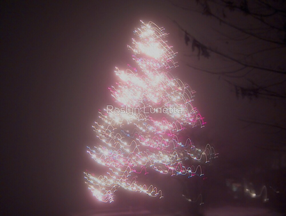 abstract christmas tree by Roslyn Lunetta