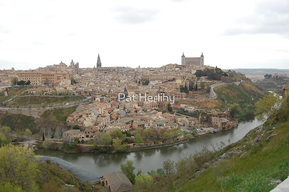Toledo, Espagne. by Pat Herlihy