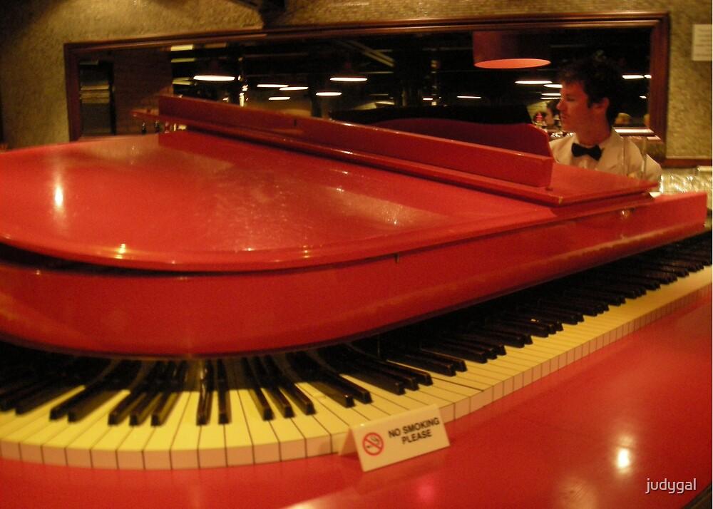 Piano Bar by judygal