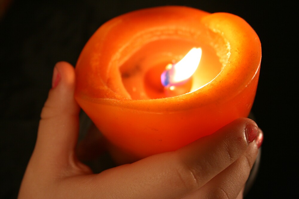 candle light by Alma Ní Chuinn