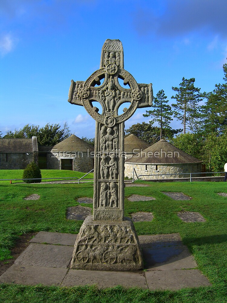 High Cross - Clonmacnoise by Susan Isabella  Sheehan