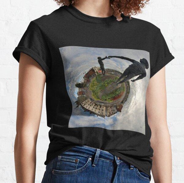 Hands Across the Divide, Derry Classic T-Shirt