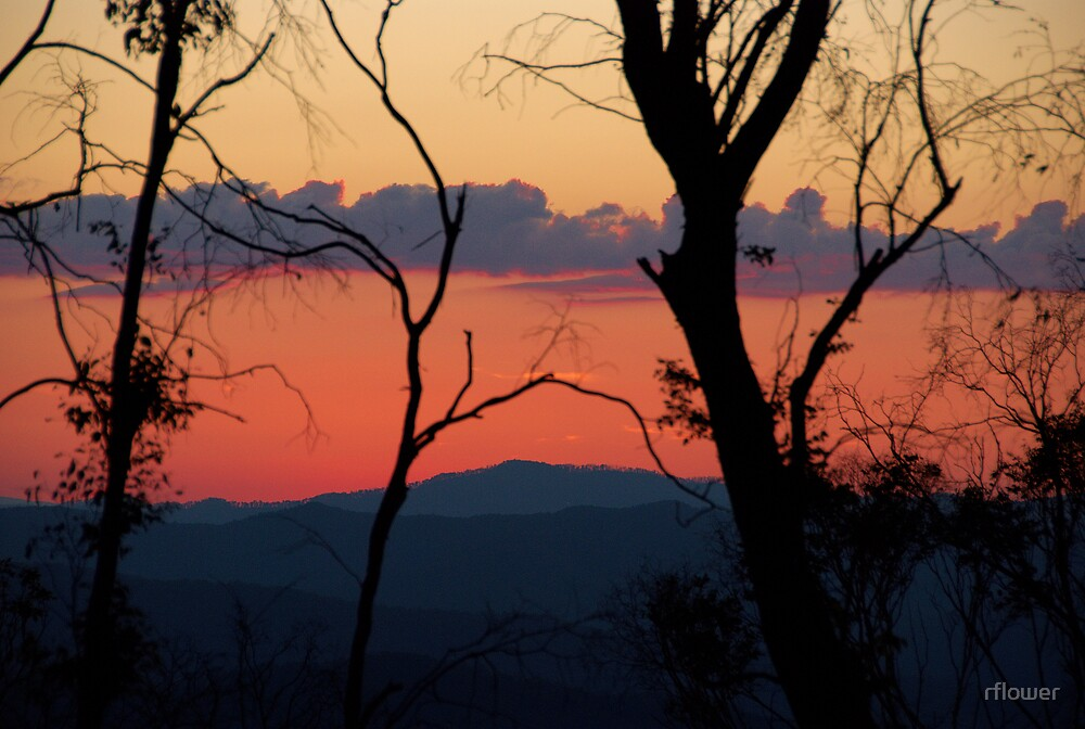 Sunset over the Mountains by rflower