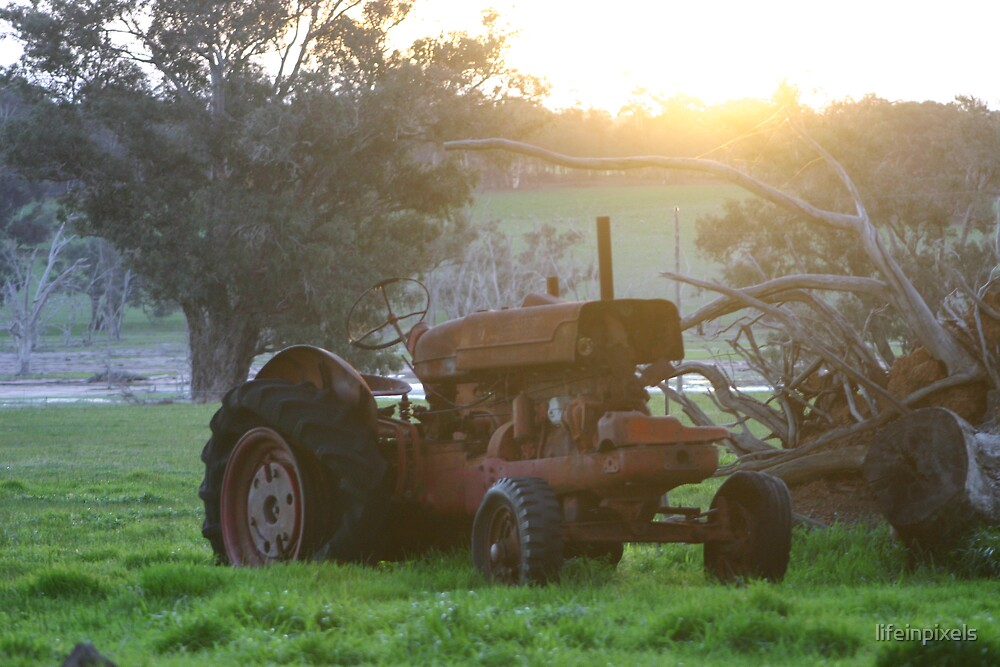 Tractor in the sunset by lifeinpixels