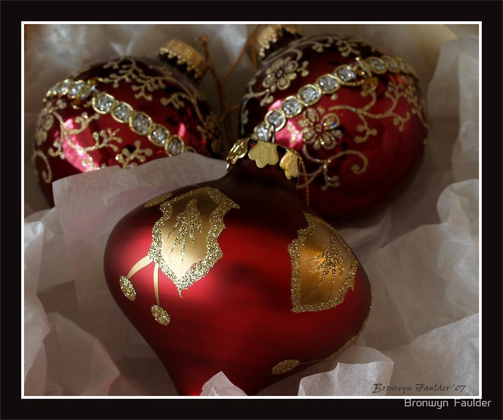 Merry Christmas by Bronwyn  Faulder