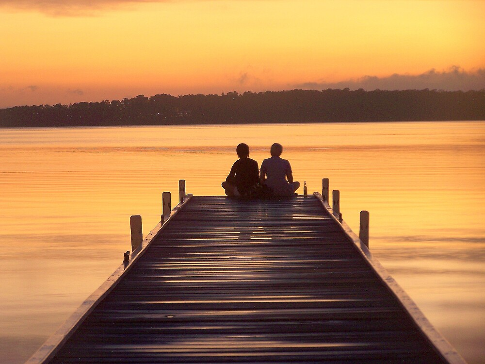 Sitting at the dock of the bay by Pominoz