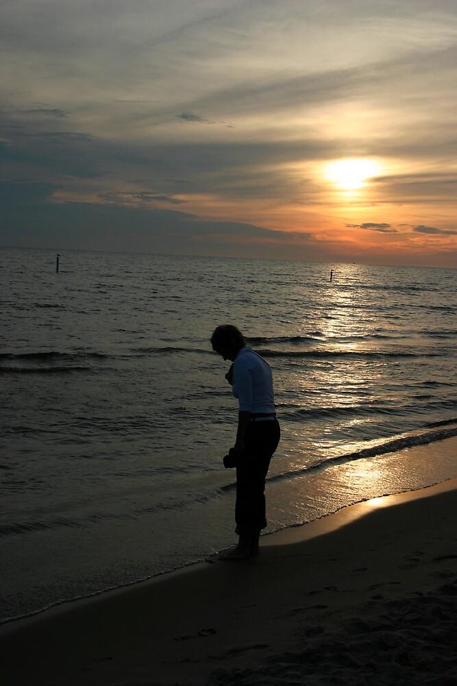 Sunset on Lake Michigan by visualexp