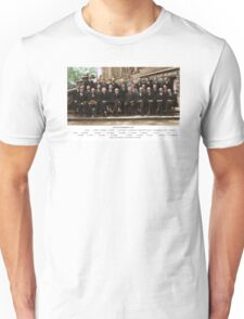 Colorized - Solvay Conference 1927. Einstein, Curie, Bohr and more. T-Shirt
