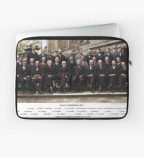 Colorized - Solvay Conference 1927. Einstein, Curie, Bohr and more. Laptop Sleeve