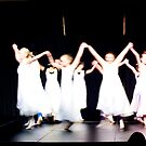 dancing blur by missmunchy
