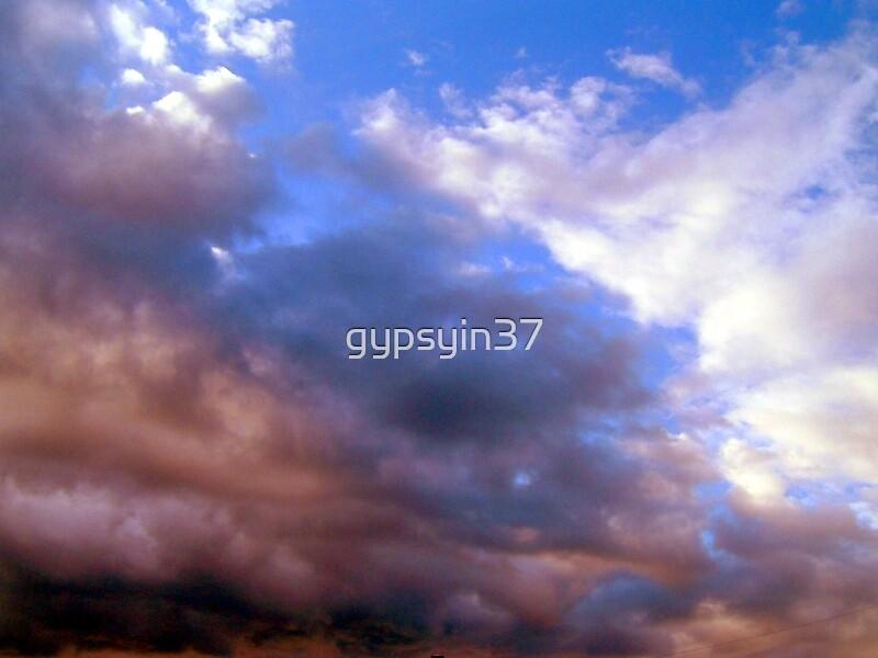 Storm Rollin' in by gypsyin37