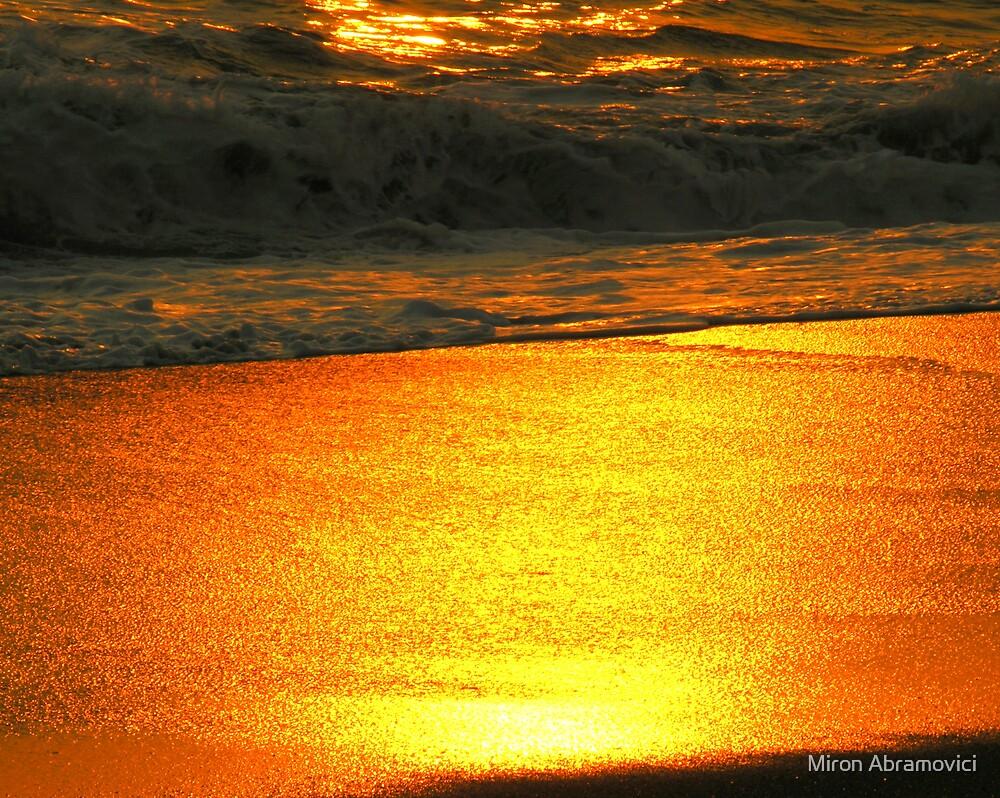 Fluid lava by Miron Abramovici
