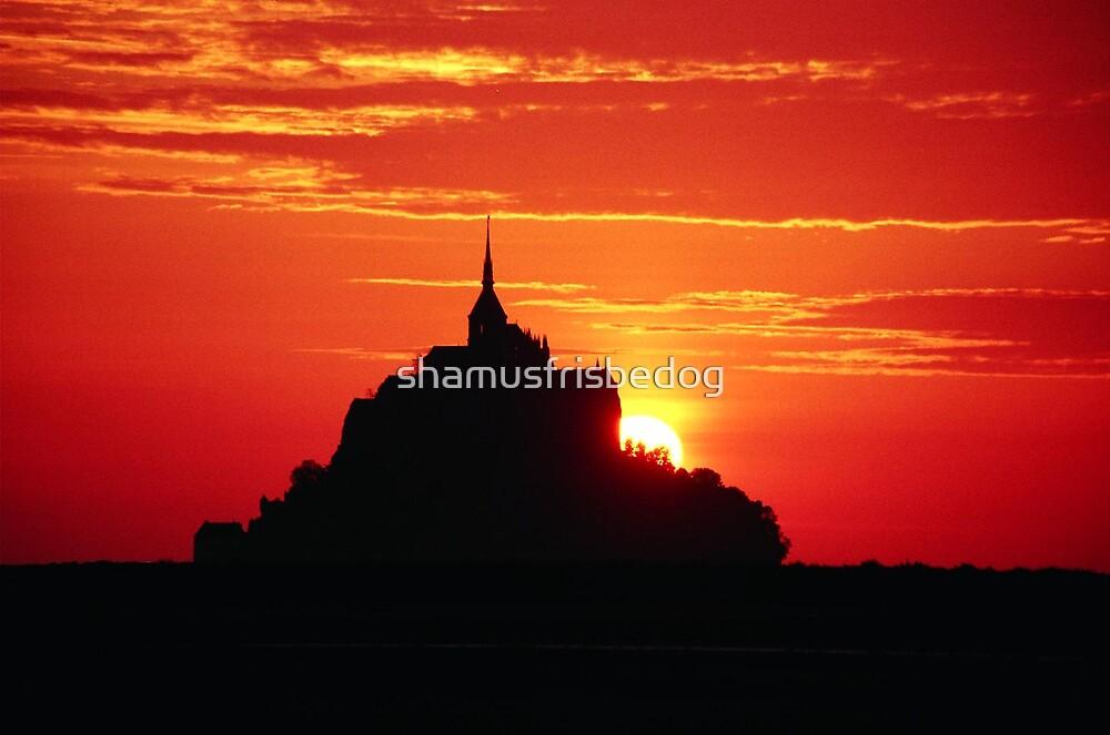 sunset at Mont-Saint-Michel by shamusfrisbedog