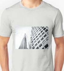 pyramid building and modern building at San Francisco, USA in black and white Unisex T-Shirt