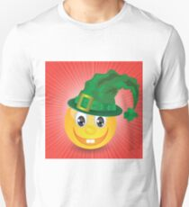 smile in a green hat Unisex T-Shirt
