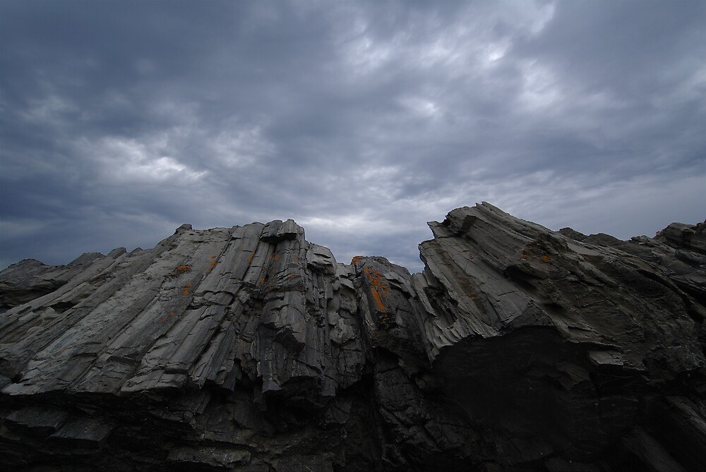 Rocks at Second Valley by Janet Leadbeater