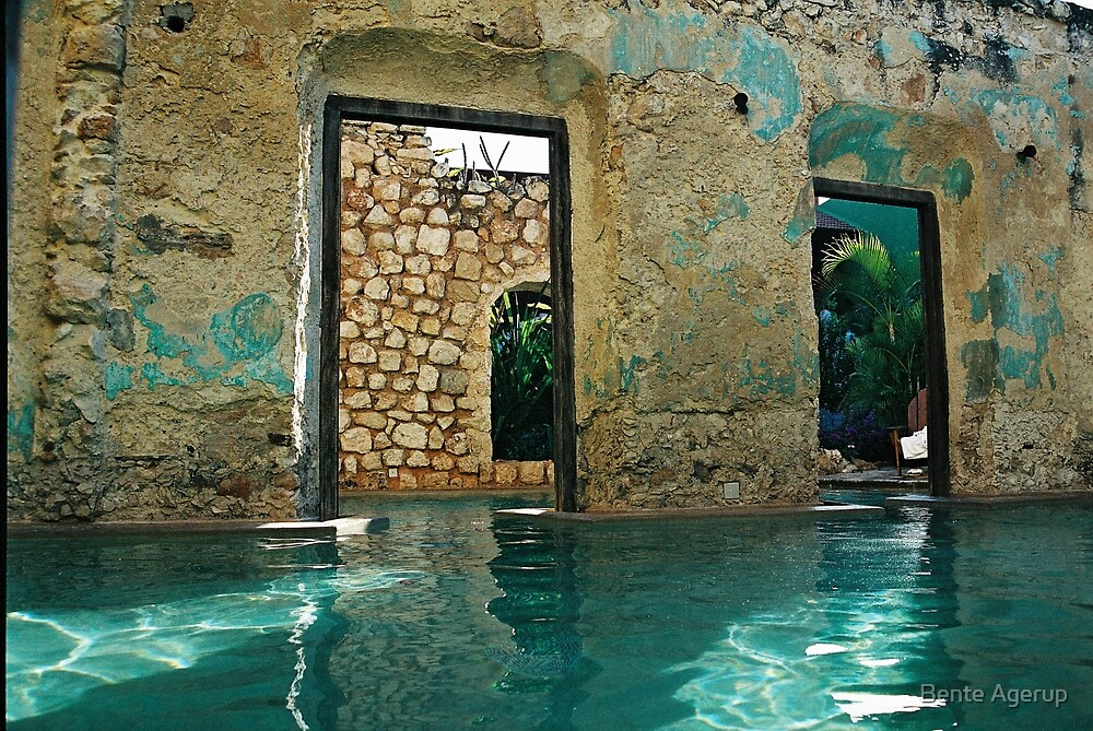 doors in the swimmingpool by Bente Agerup