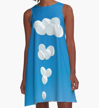 Saudade (weiße Luftballons) A-Linien Kleid