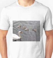 Mute swan with 4 cygnets T-Shirt