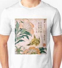Hokusai Katsushika - Pfingstrose und Kanarienvogel Slim Fit T-Shirt