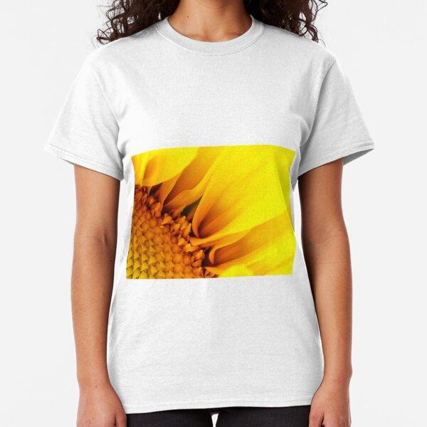 Sunflower petal power Classic T-Shirt