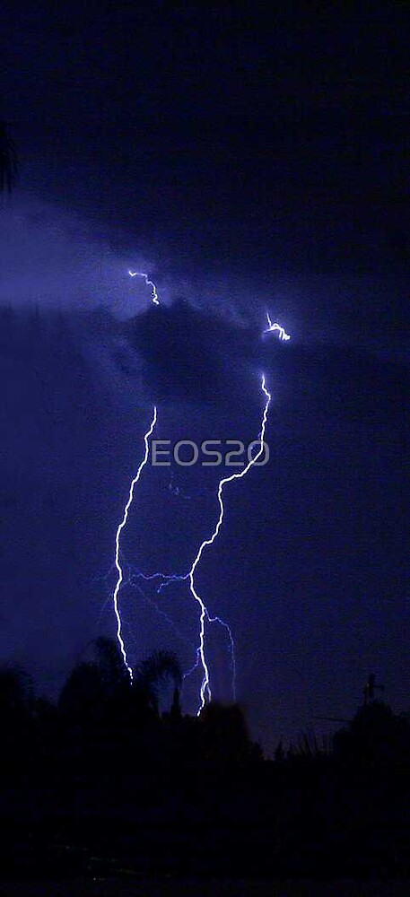 Lightning bolts by EOS20
