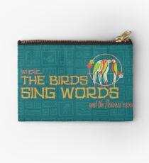 Tiki Room - Wo die Vögel Worte singen Studio Clutch