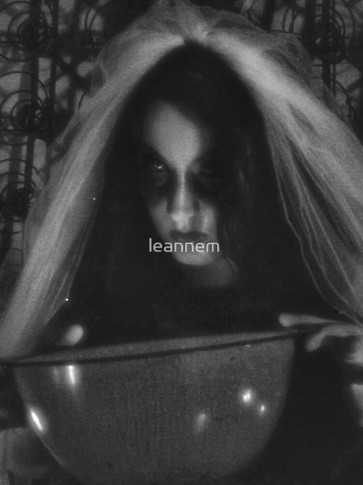 laura dark by leannem