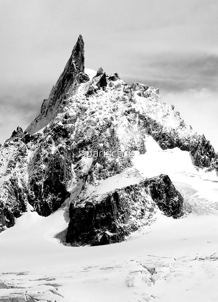Jagged Peak by parischris