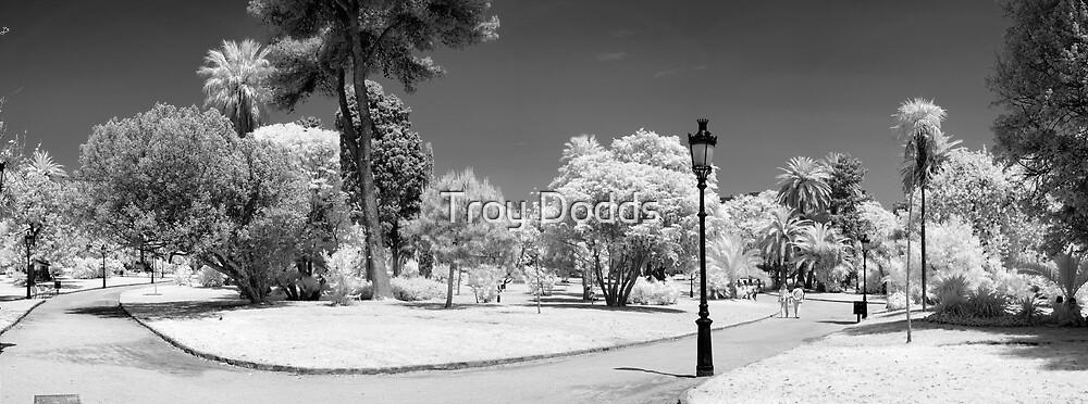 Barcelona Parc de la Citadella by Troy Dodds