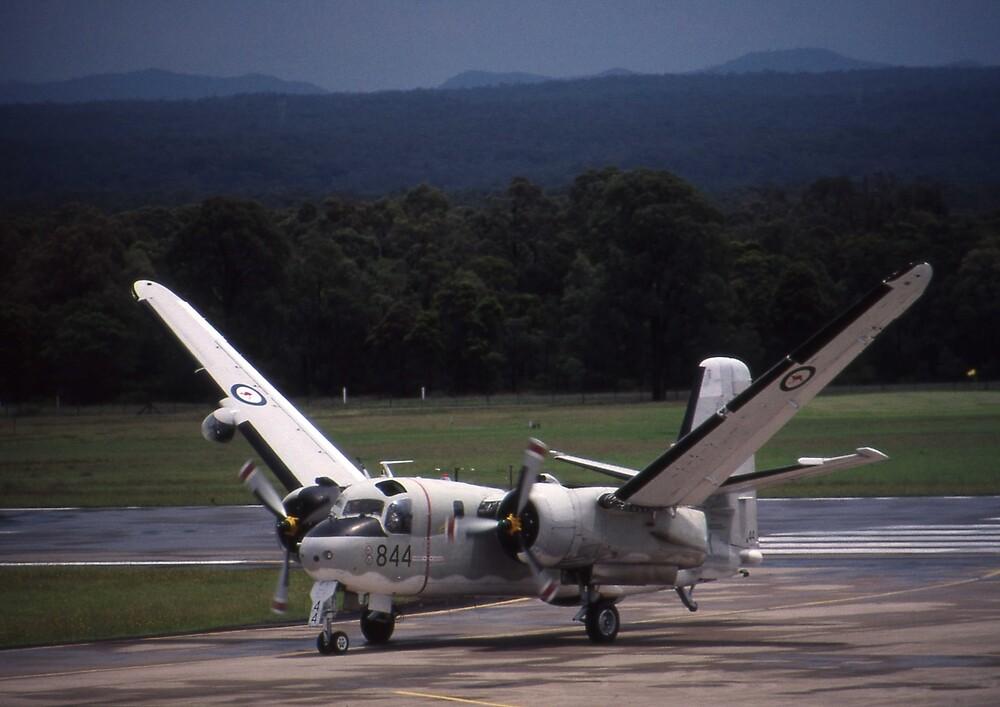 Grumman Tracker - Wings Folding - @ Nowra, Australia by muz2142
