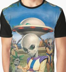 Kush Aliens invading earth Graphic T-Shirt