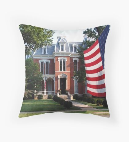 Showing the flag Throw Pillow