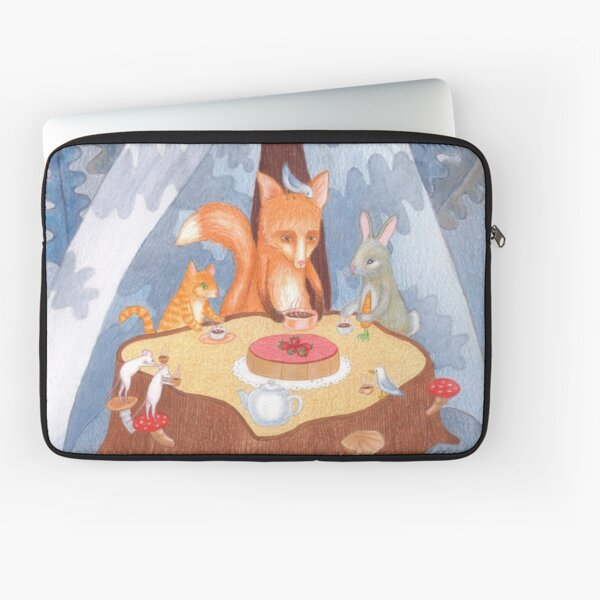 woodland animal round the picnic table Laptop Sleeve