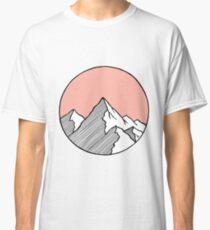 Berge Skizze Classic T-Shirt