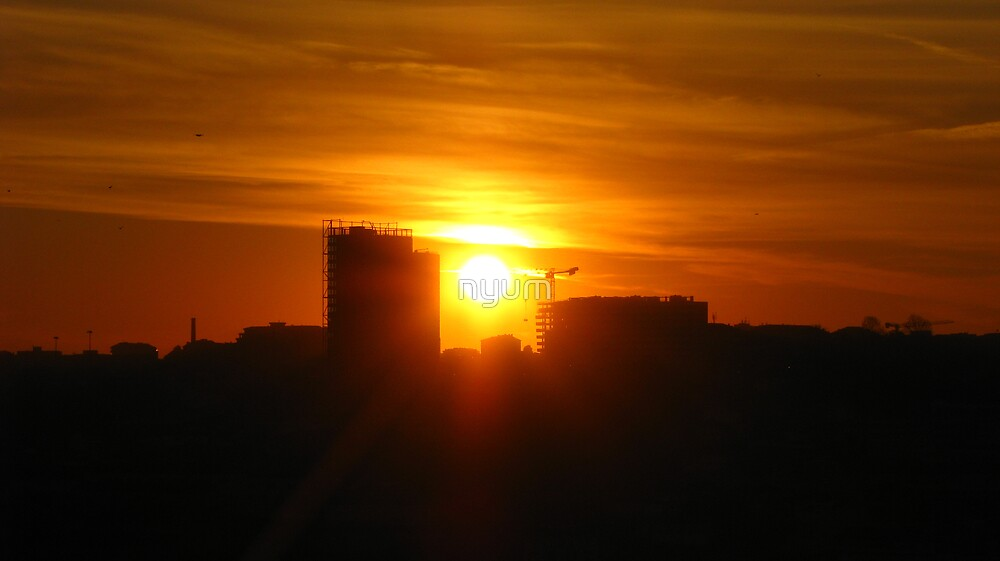 The blazing Sun by nyum