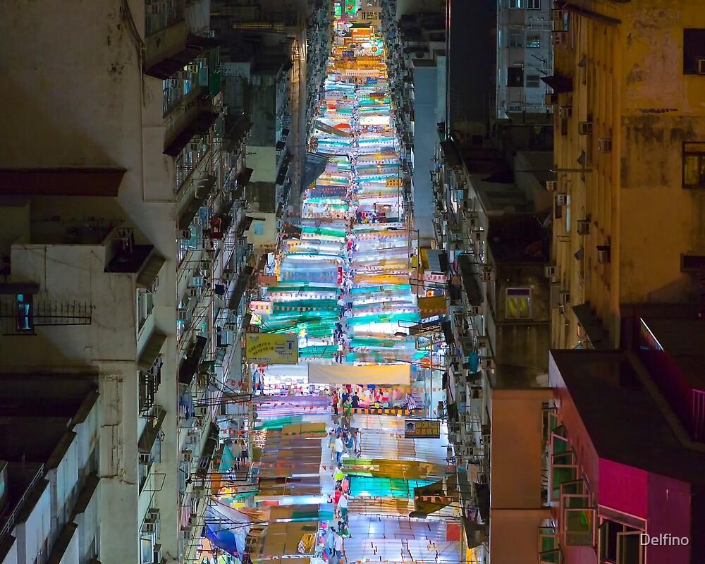 Nightmarket Temple Street by Delfino