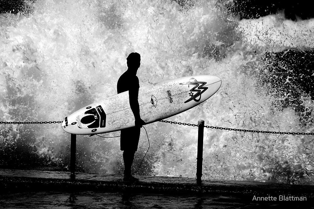 The Wave by Annette Blattman