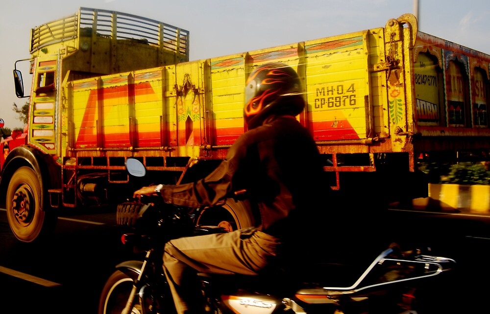 Mumbai Commute by carlamackinnon